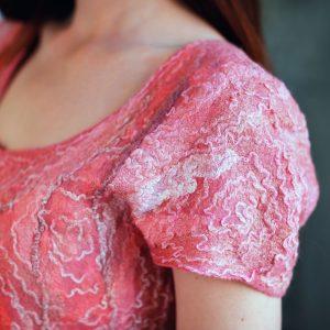 Prečo si všímam visačky na oblečení